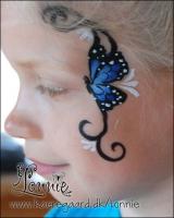 Lonnies_ansigtsmaling-Lillle-blaa-sommerfugl