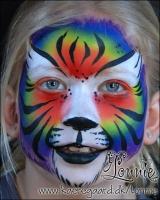 Lonnies_ansigtsmaling-Regnbuetiger