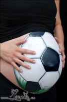 Lonnies_ansigtsmaling-Gravid-Fodbold-02