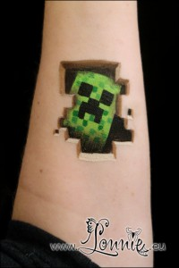 Lonnies_Ansigtsmaling_Minecraft-creeper
