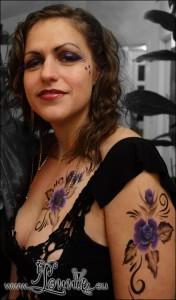 Lonnies_Ansigtsmaling_Burlesque-lilla-roser