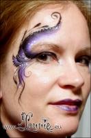 Lonnies_ansigtsmaling-Eye-Design-purple