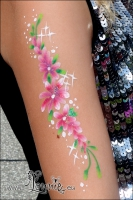 Lonnies_Ansigtsmaling_Blomsterarm2