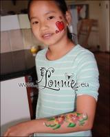 Lonnies-ansigtsmaling-Boernefoedselsdag-feb-2011-22