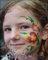 Lonnies-ansigtsmaling-Boernefoedselsdag-feb-2011-24